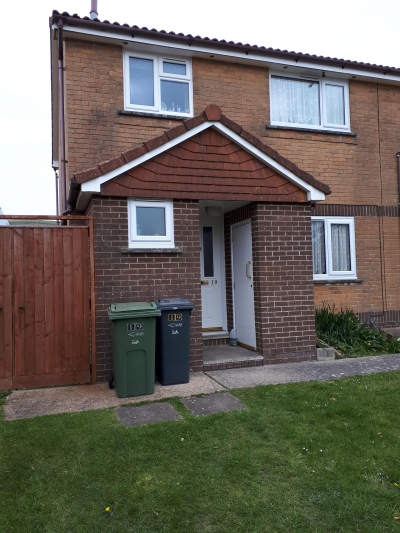 3 bed semi isle of wight, wanting 2 bed semi wf1