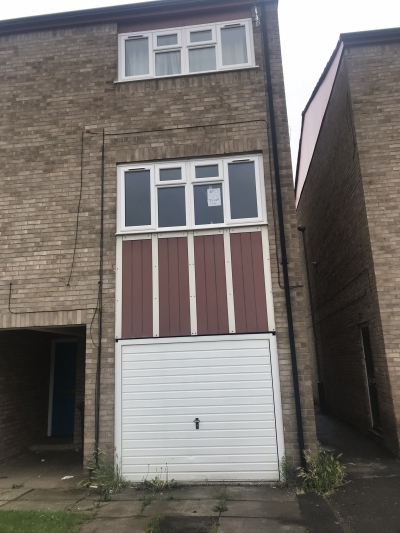 3 bed 3 storey Abby lane Le45qq looking for 3 bed mowmacre hill only