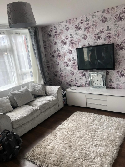 Nice size 3 bed ground floor maisonette/house