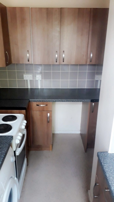 London Studio - looking for 1+ bed property in Essex