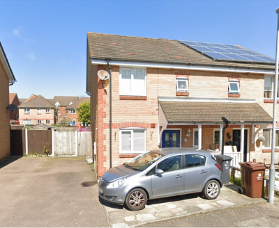 3 Bedroom House | Rush Green | Garden and Drive